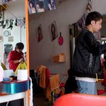 Hairdressing-Saloon_in_Downtown_China_05