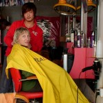 Hairdressing-Saloon_in_Downtown_China_07