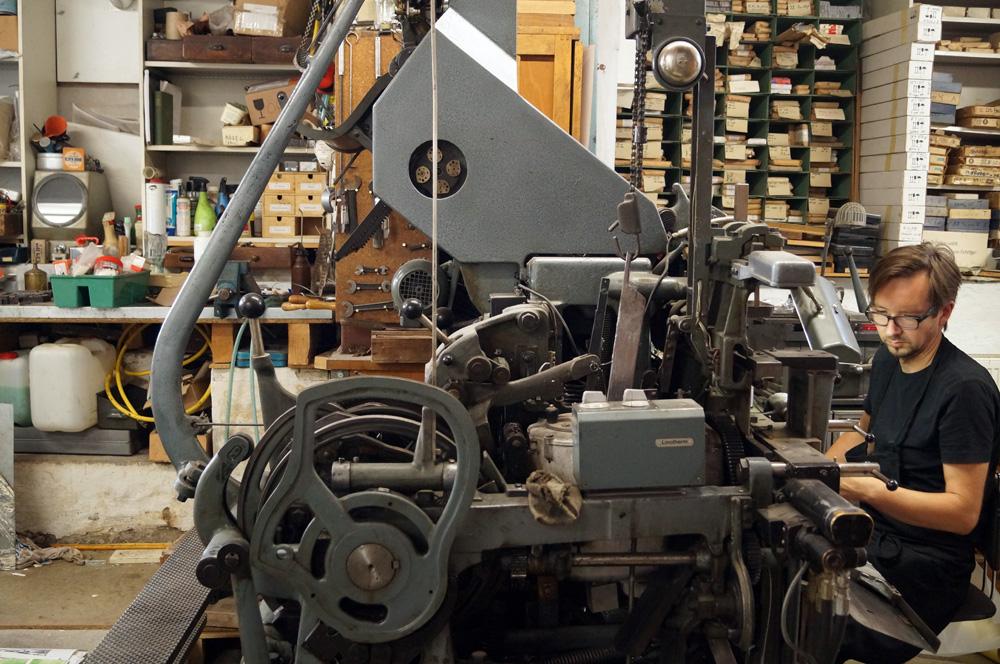 Thomas Siemon with Linotype