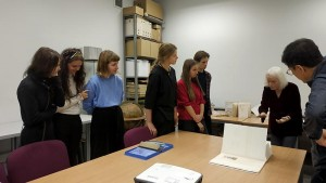 Artist's books viewing with Barbara Beisinghoff, students and Prof. Ryuta Endo