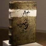 Dailininko knyga objektas. Antoni Tapies, Ispanija