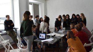 Patrizia Meinert in the Graphic Art Department with the students
