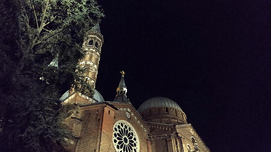 Basilica of Saint Anthony of Padua at night